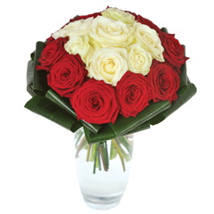 bouquet rond roses blanches et roses rouges